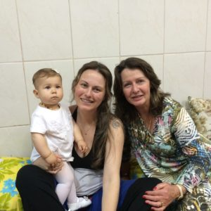 avó, mãe e neta tendeiras